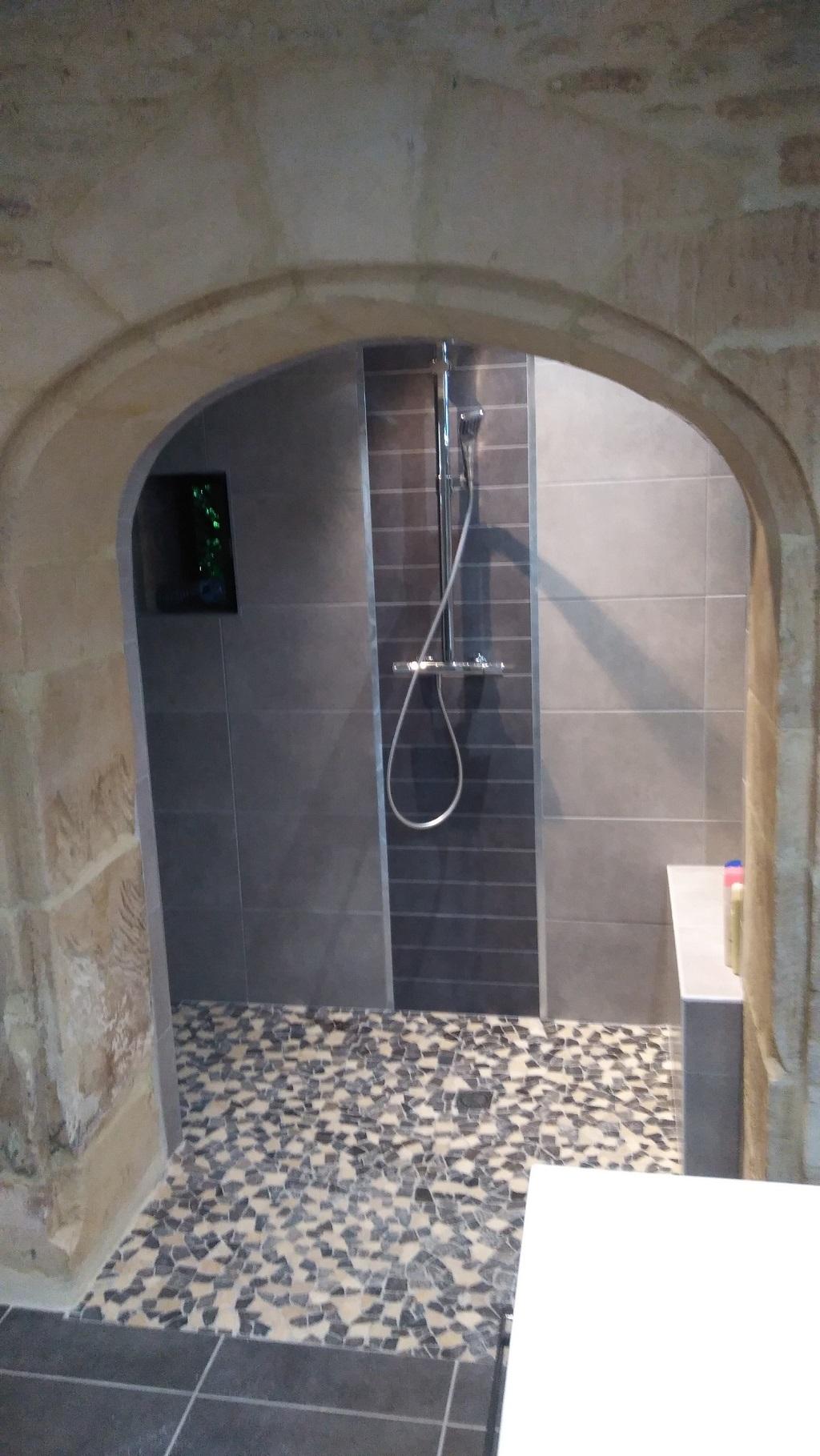 salle-bain-pierre-caen
